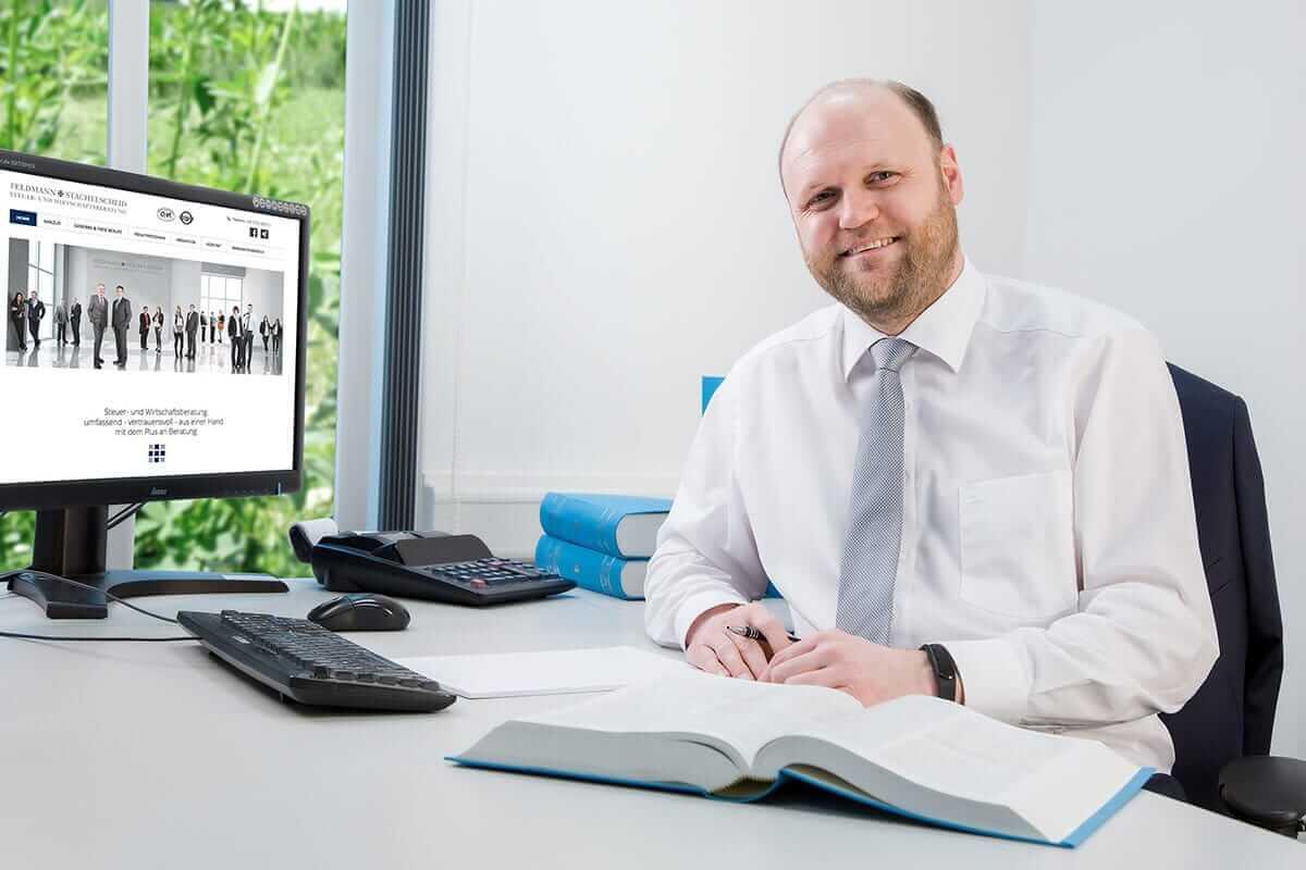Oliver Bieker - Unsere zertifizierte Fachkraft für Einkommenssteuer-Erklärungen - Karriere und Chancen zur persönlichen Weiterbildungen bei der Sozietät STACHELSCHEID und Partner .